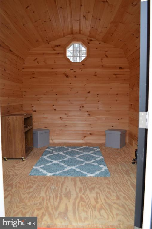 Inside the cabins - 5420 BURKITTSVILLE RD, JEFFERSON