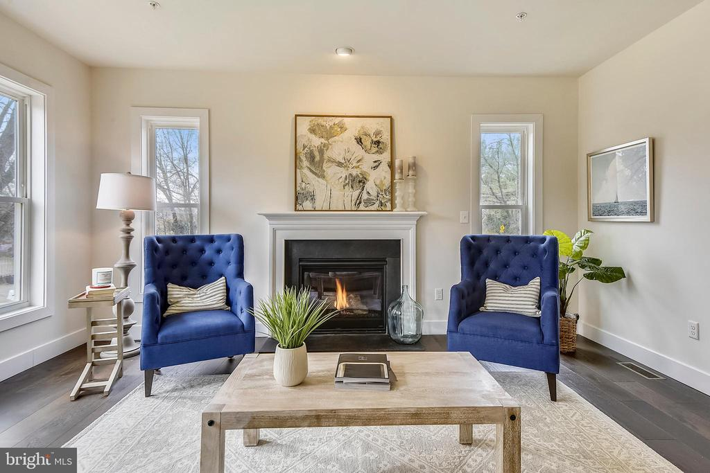 Cozy days by the fire. - 18609 STRAWBERRY KNOLL RD, GAITHERSBURG