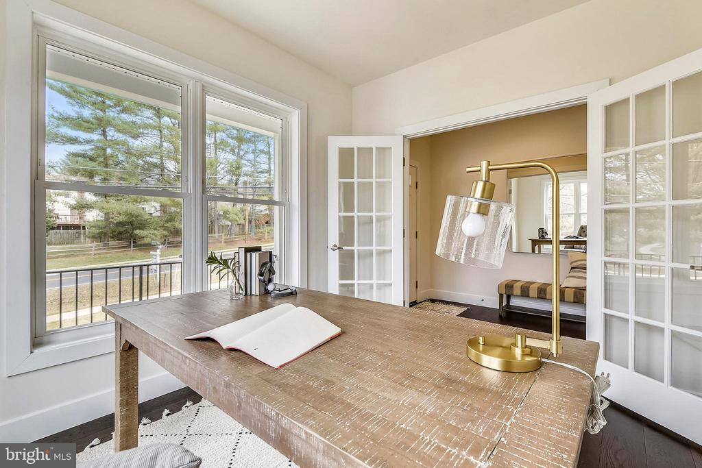 Private study. - 18609 STRAWBERRY KNOLL RD, GAITHERSBURG