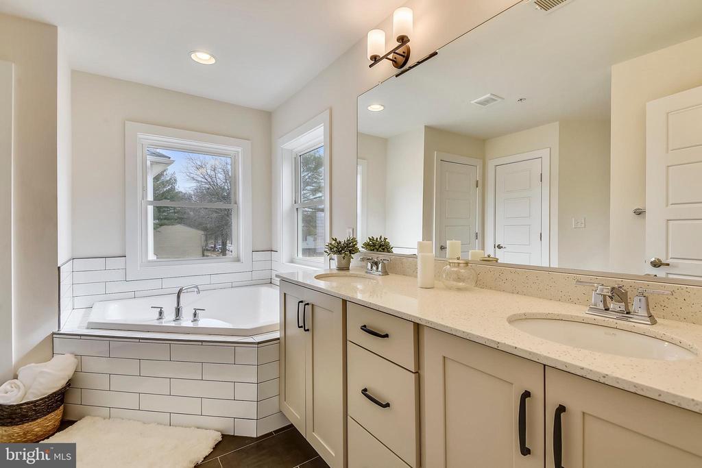 Serene spa-like Bathroom - 18609 STRAWBERRY KNOLL RD, GAITHERSBURG
