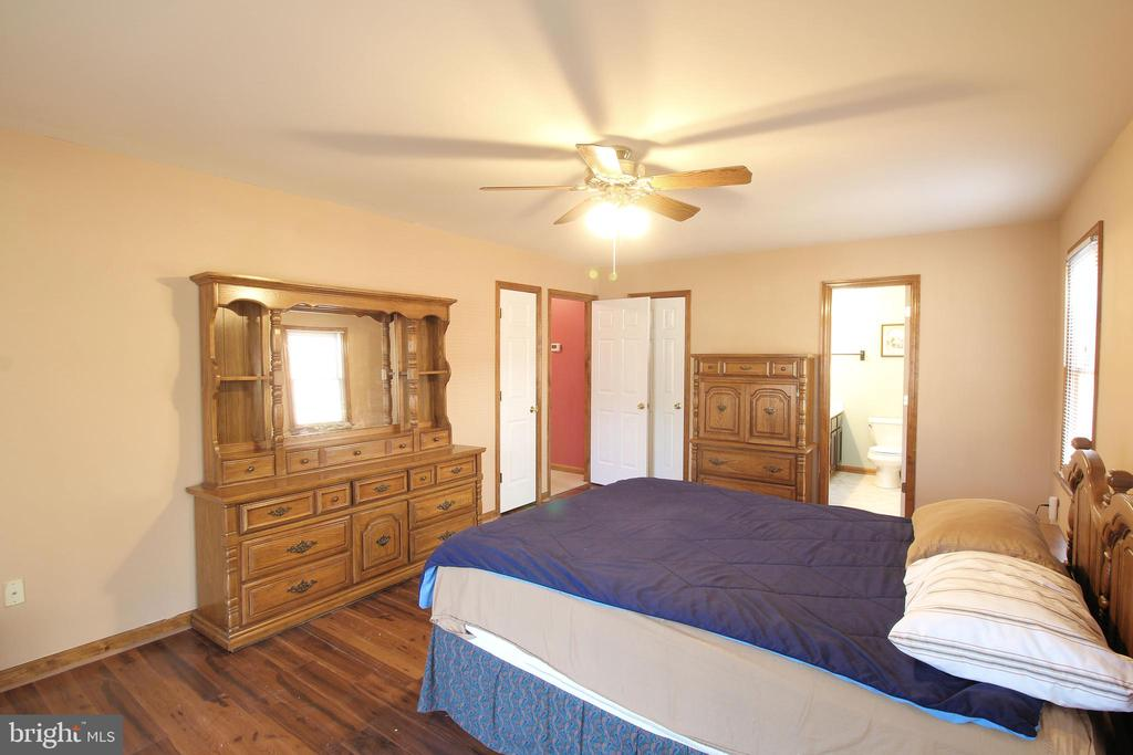 Master Bedroom - Master Bath & WI Closet - 117 GREEN ST, LOCUST GROVE