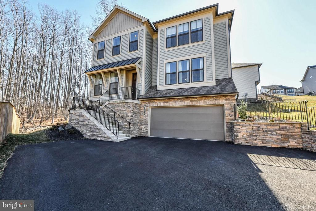 Largest flat driveway in the neighborhood! - 6854 E SHAVANO RD, NEW MARKET