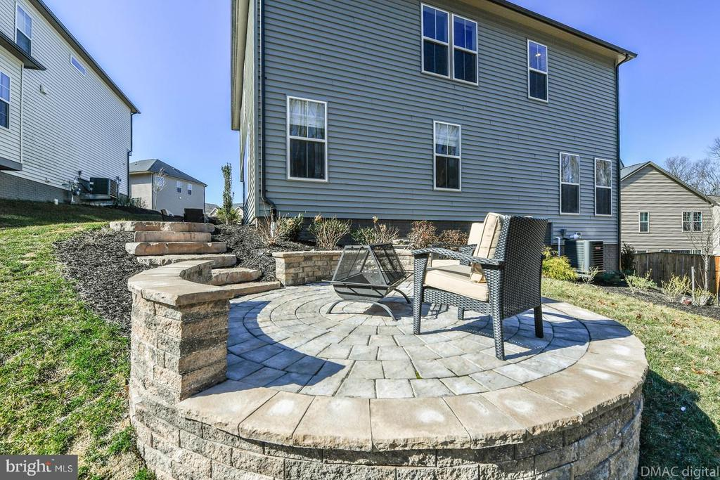 Relax on the new patio. - 6854 E SHAVANO RD, NEW MARKET