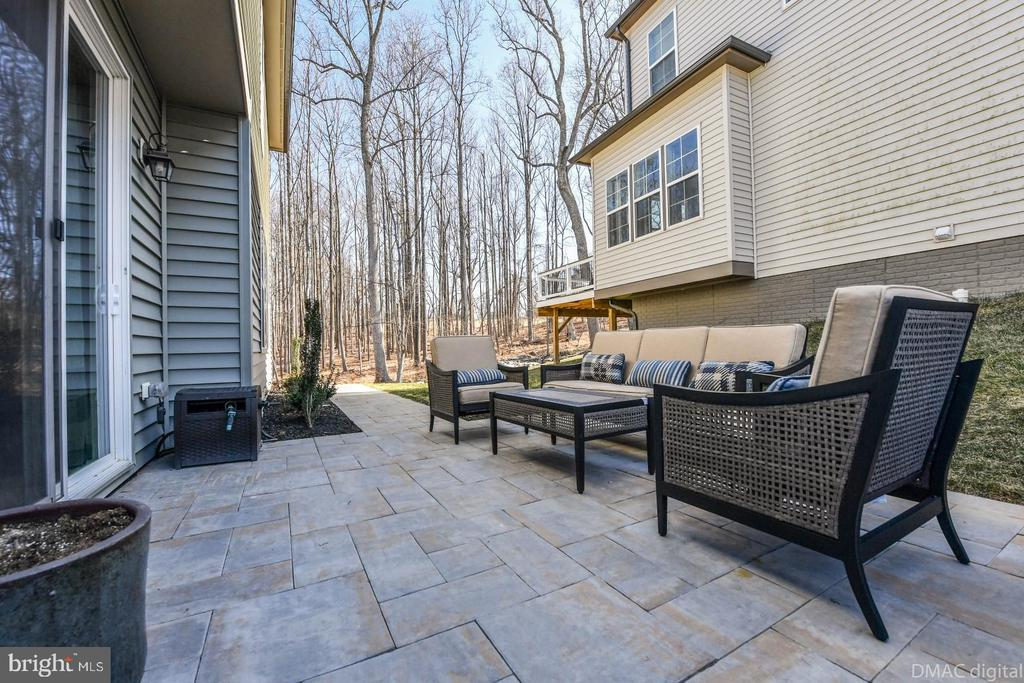 Imagine entertaining in this space! - 6854 E SHAVANO RD, NEW MARKET
