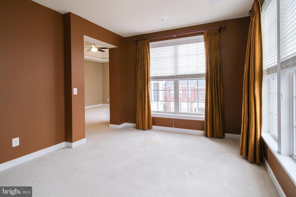Sitting room - 13299 SCOTCH RUN CT, CENTREVILLE