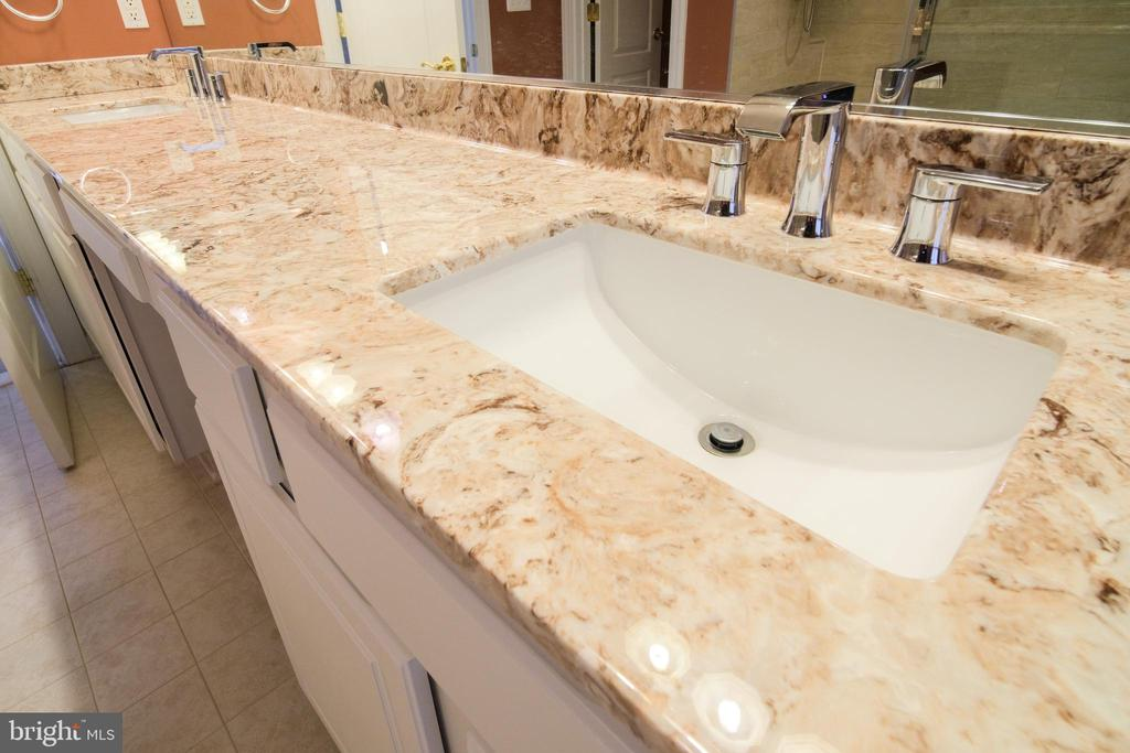 Updated Double sink vanity counter tops - 13299 SCOTCH RUN CT, CENTREVILLE