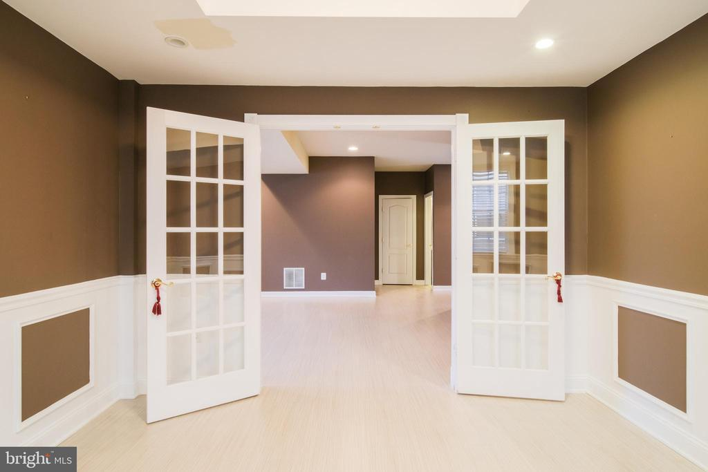 Fourth bedroom in basement - 13299 SCOTCH RUN CT, CENTREVILLE