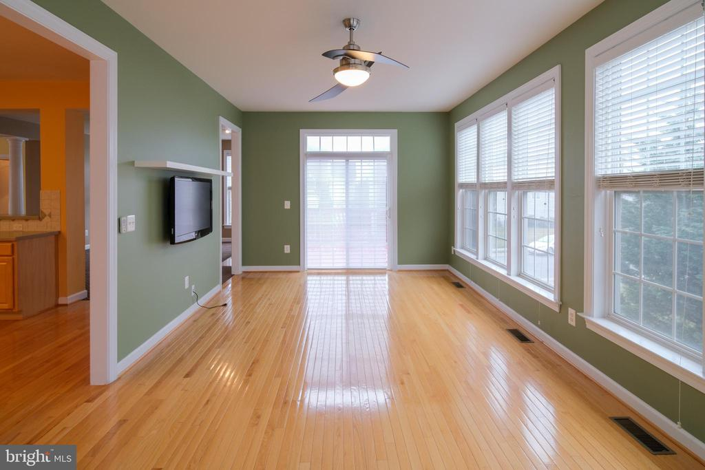 Sun room with access to deck - 13299 SCOTCH RUN CT, CENTREVILLE