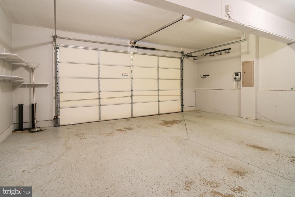 2 car garage with extra storage - 13299 SCOTCH RUN CT, CENTREVILLE