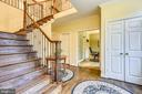 Gracious entry - 12400 FAIRFAX STATION RD, CLIFTON