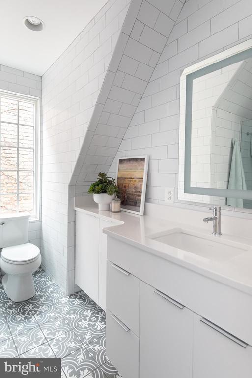 Guest Bath #2 - 1015 D ST NE #2, WASHINGTON