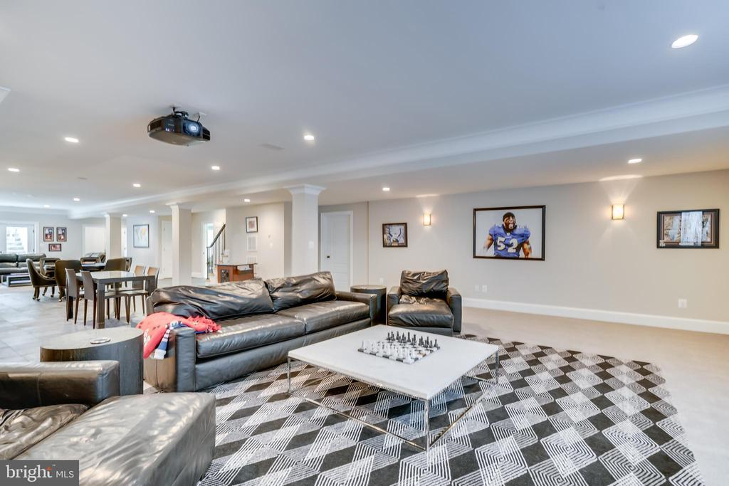 Theater/Rec room - 6704 LUPINE LN, MCLEAN