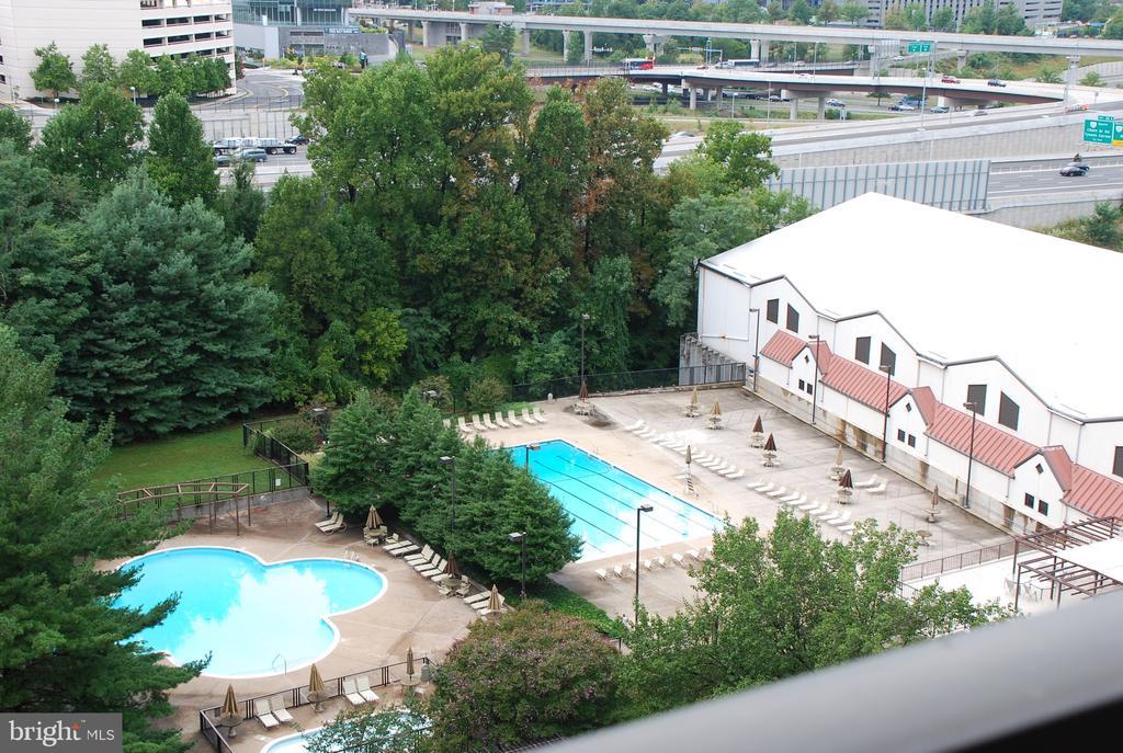 3 Pools & Sport & Health Club - 1808 OLD MEADOW RD #1011, MCLEAN