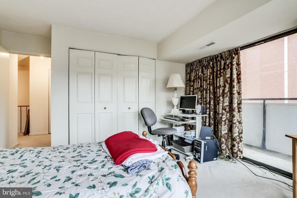 Third bedroom - 5300 COLUMBIA PIKE #315, ARLINGTON
