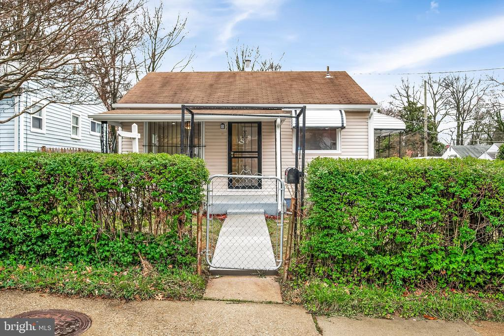 Welcome home! - 6601 SEAT PLEASANT DR, CAPITOL HEIGHTS