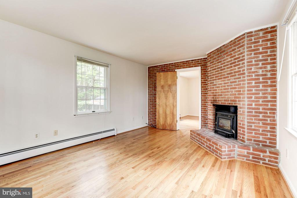 Family Room - 12901 JESSE SMITH RD, MOUNT AIRY