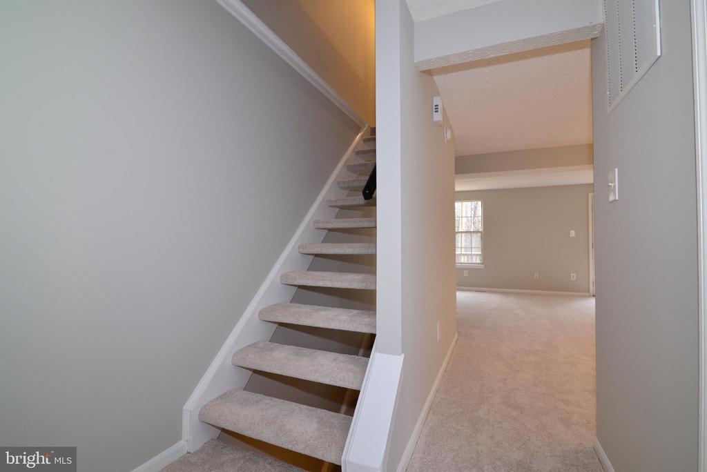 Main Stairs Up - 1485 AUTUMN RIDGE CIR, RESTON
