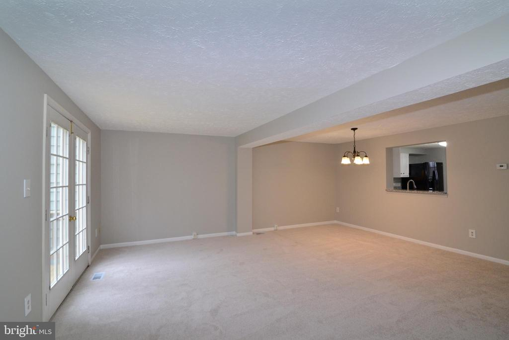 Dining Rm and Living Room View #2 - 1485 AUTUMN RIDGE CIR, RESTON