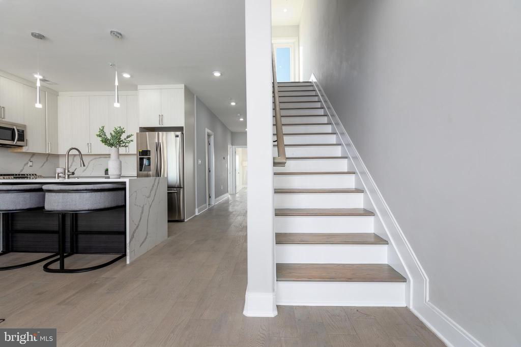 Stairs to room terrace and 3rd bedroom - 2812 GEORGIA AVE NW #9, WASHINGTON
