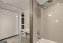 Large bathroom - 250 S REYNOLDS ST #1307, ALEXANDRIA