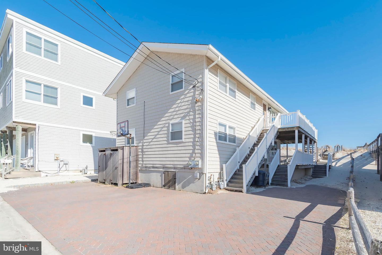 Duplex Homes por un Venta en Surf City, Nueva Jersey 08008 Estados Unidos