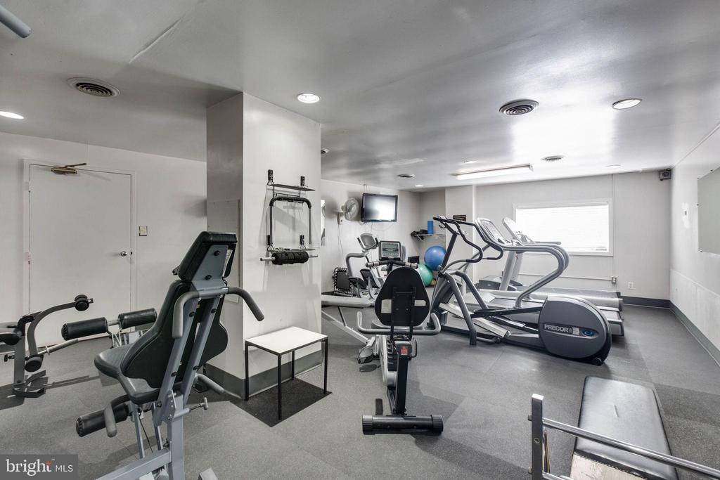Work out room - 5300 COLUMBIA PIKE #315, ARLINGTON
