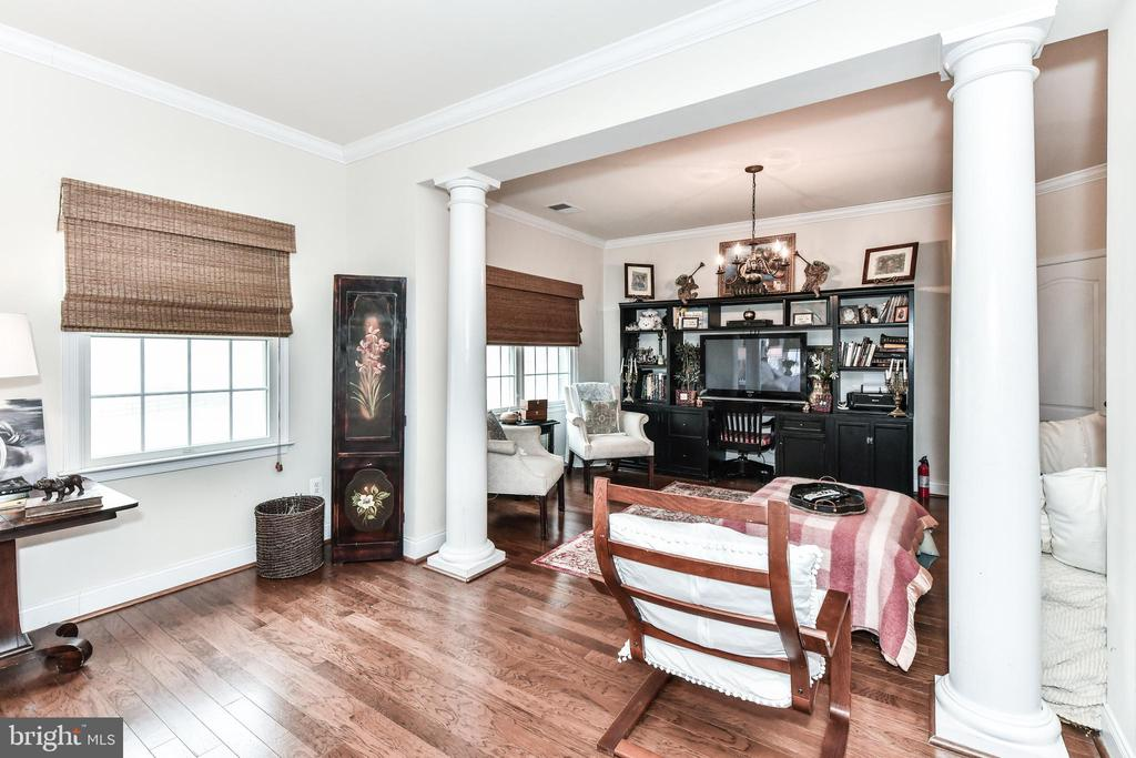 Sitting Area off Master Bedroom - 15521 BANKFIELD DR, WATERFORD