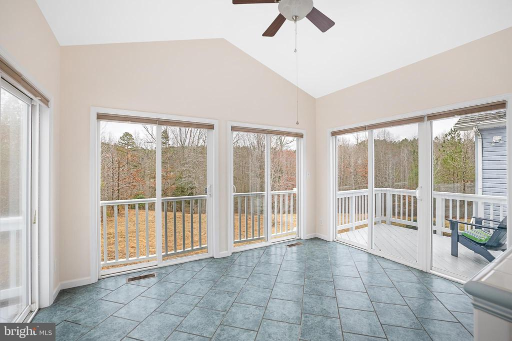 CATHEDRAL CEILINGS & CEILING FAN IN THE SUN ROOM - 9630 SOUTHLAKE DR, SPOTSYLVANIA