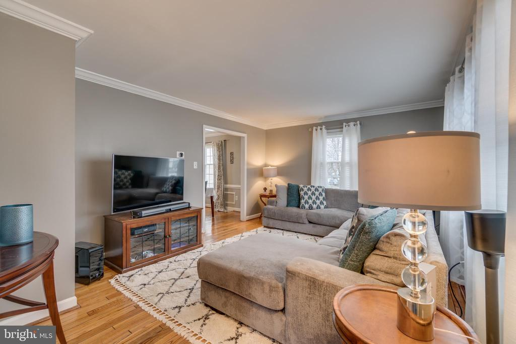 Beautiful, Original, Oak Flooring - 15805 DICKERSON PL, DUMFRIES