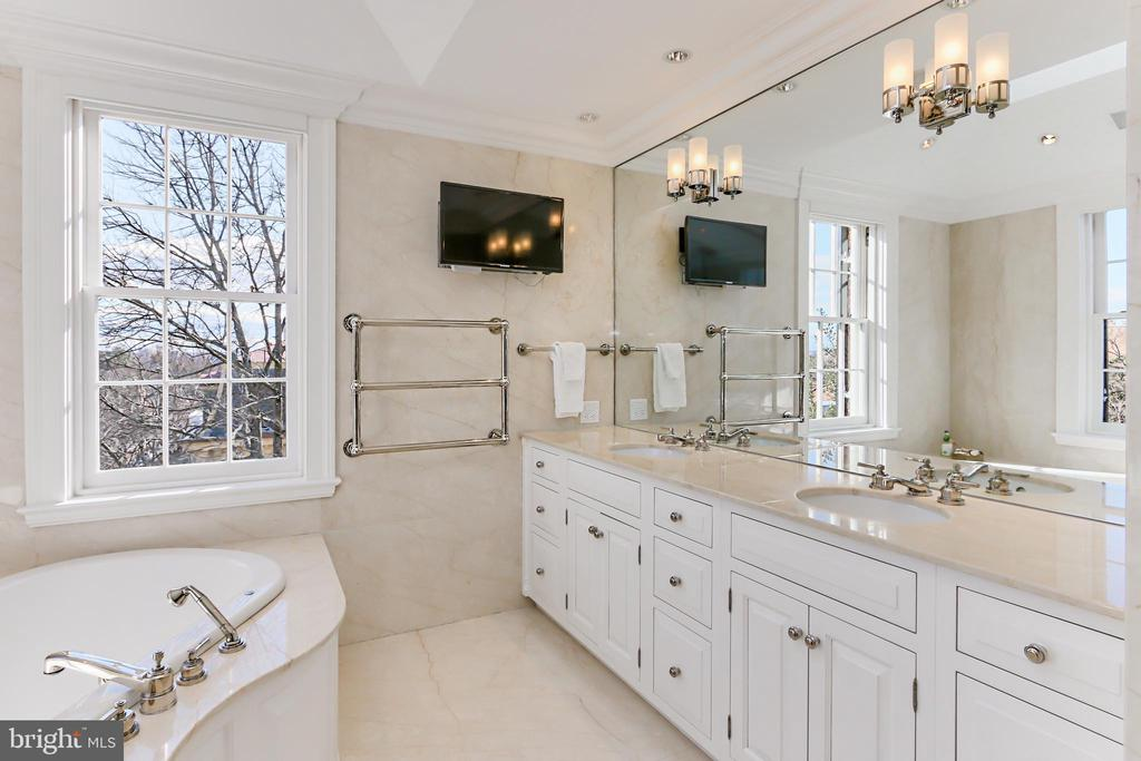 Luxurious skylit Owner's Bath with heated floors - 1400 34TH ST NW, WASHINGTON