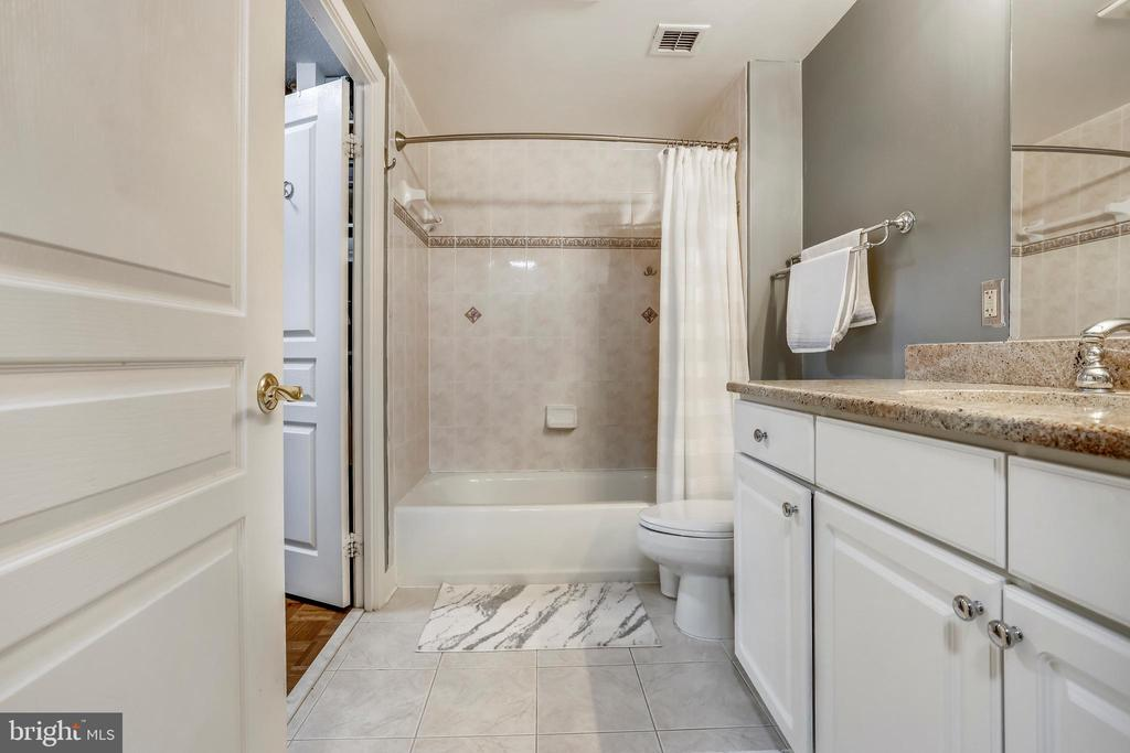Bathroom - 7111 WOODMONT AVE #412, BETHESDA