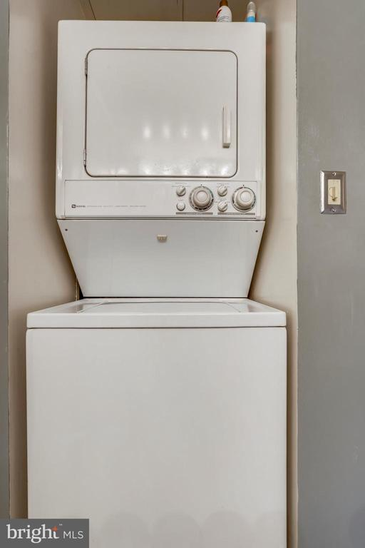 Washer/Dryer (In Unit) - 7111 WOODMONT AVE #412, BETHESDA