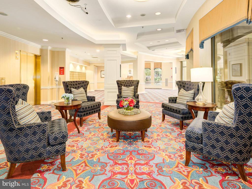 East Lobby - 900 N TAYLOR ST #2025, ARLINGTON