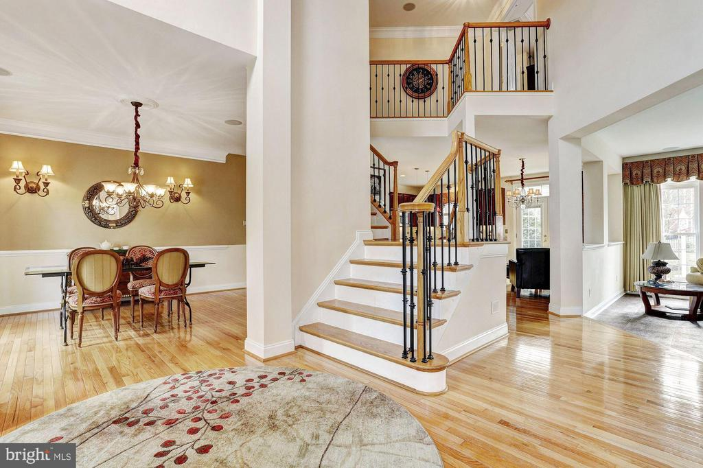 Two Story Foyer - 8600 RIVER GLADE RUN, LAUREL
