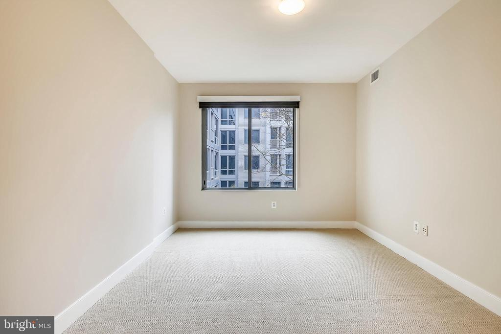 Bedroom with new carpet and double closets - 4101 ALBEMARLE ST NW #447, WASHINGTON