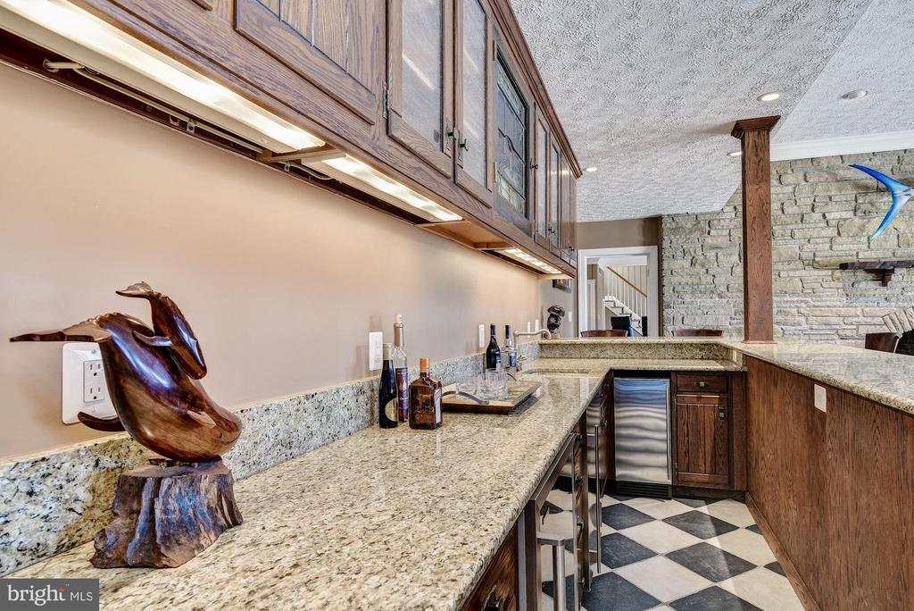 Wet Bar, Beverage Cooler and Granite Counters - 1128 ASQUITH DR, ARNOLD
