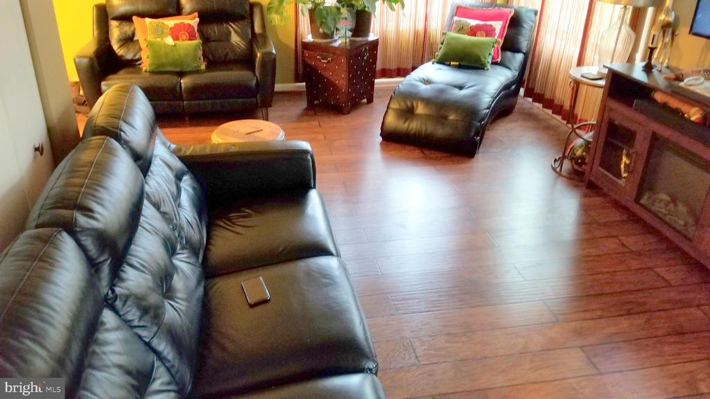 Living Room - 10150 SCOTCH HILL DR #25-2, UPPER MARLBORO