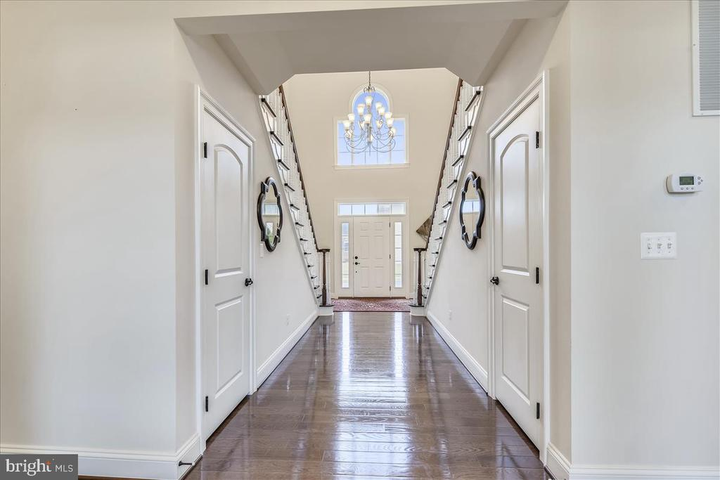 Two story foyer - 44306 KENTMERE CT, ASHBURN