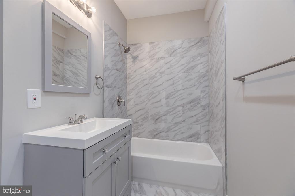 Lower Level Bathroom - 10401 HUNTER STATION RD, VIENNA