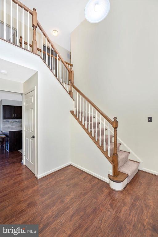 Foyer/Staircase - 6024 DOUGLAS AVE, NEW MARKET