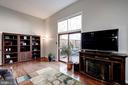 Spacious Living room with walk out to deck - 2354 HORSEFERRY CT, RESTON