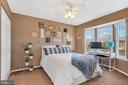 First master suite with bay window - 9 BROOKMEADE CT, STERLING