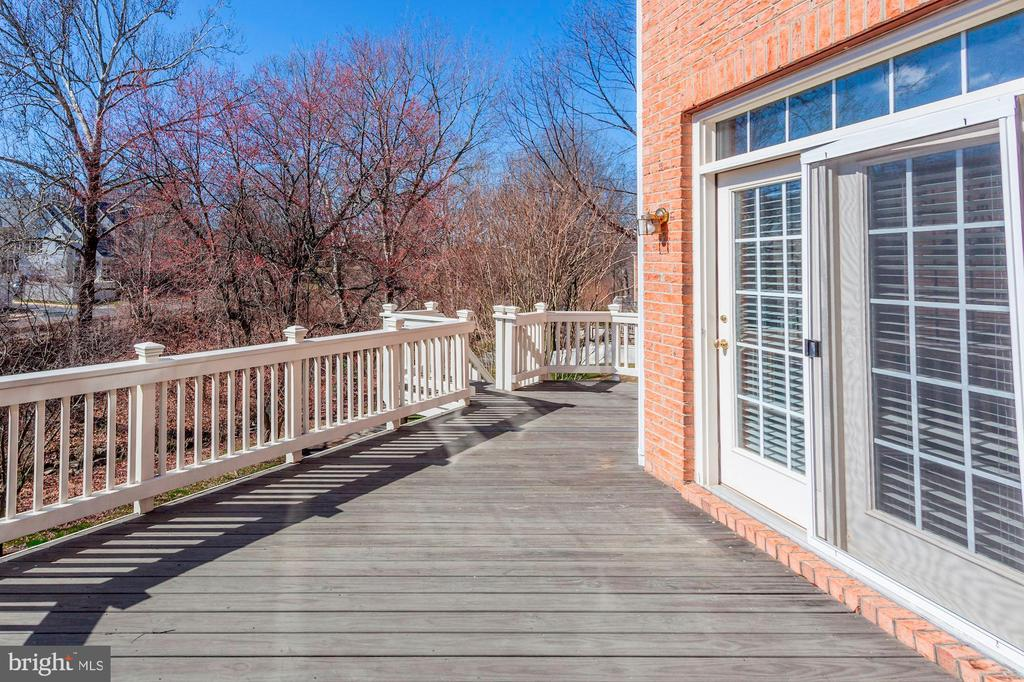 Deck - in the Fall - 10115 RATCLIFFE MANOR DR, FAIRFAX