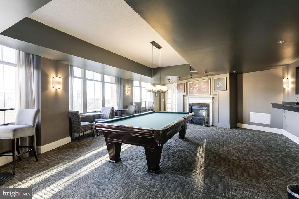 Billiard/Game Room - 11800 SUNSET HILLS RD #1108, RESTON