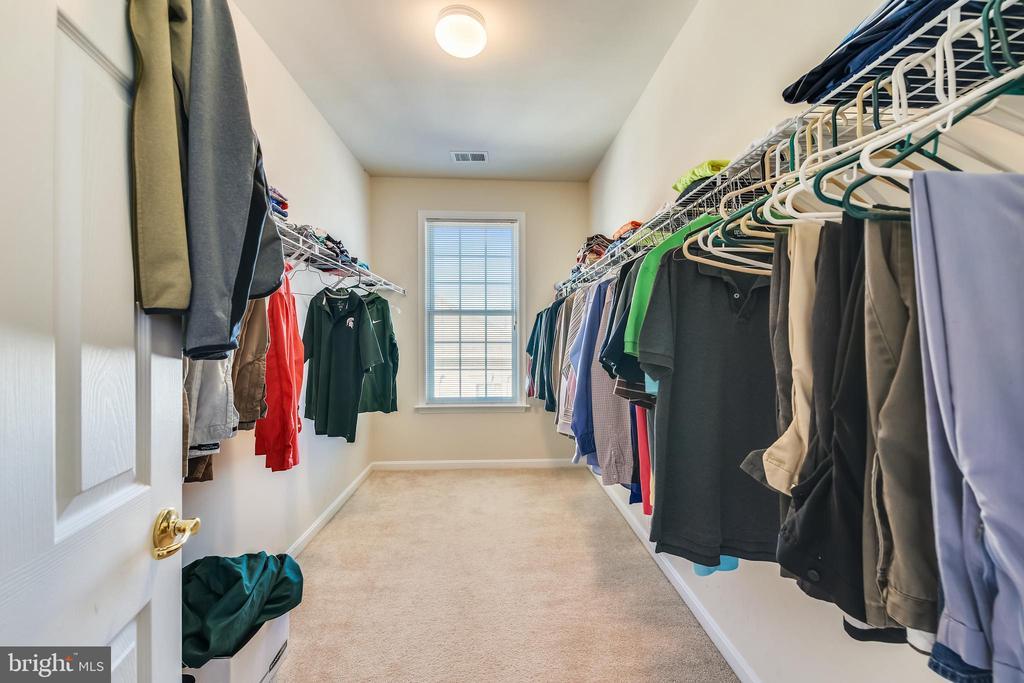 Master Bedroom Walk In Closet - 47640 PAULSEN SQ, STERLING