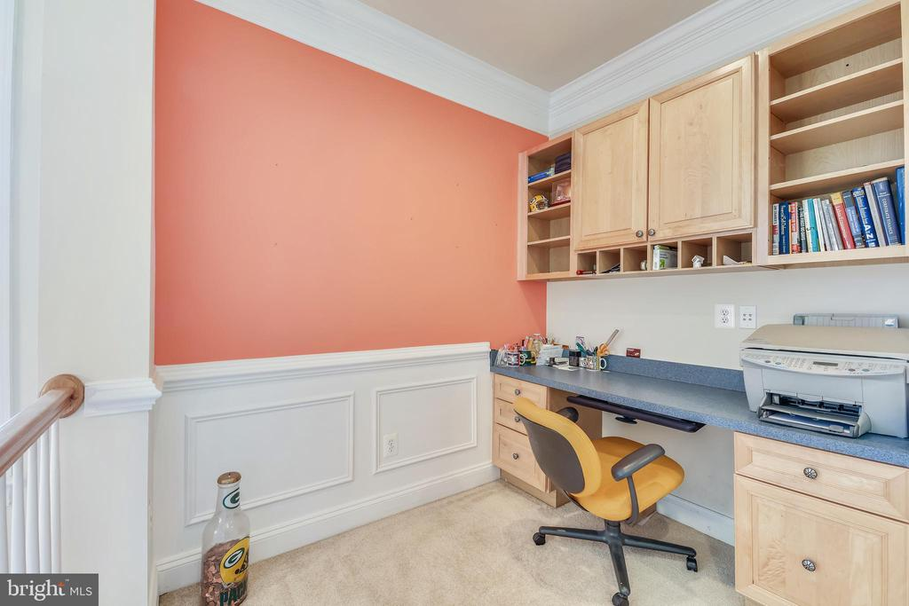 Upper Level Desk/Nook Area - 47640 PAULSEN SQ, STERLING
