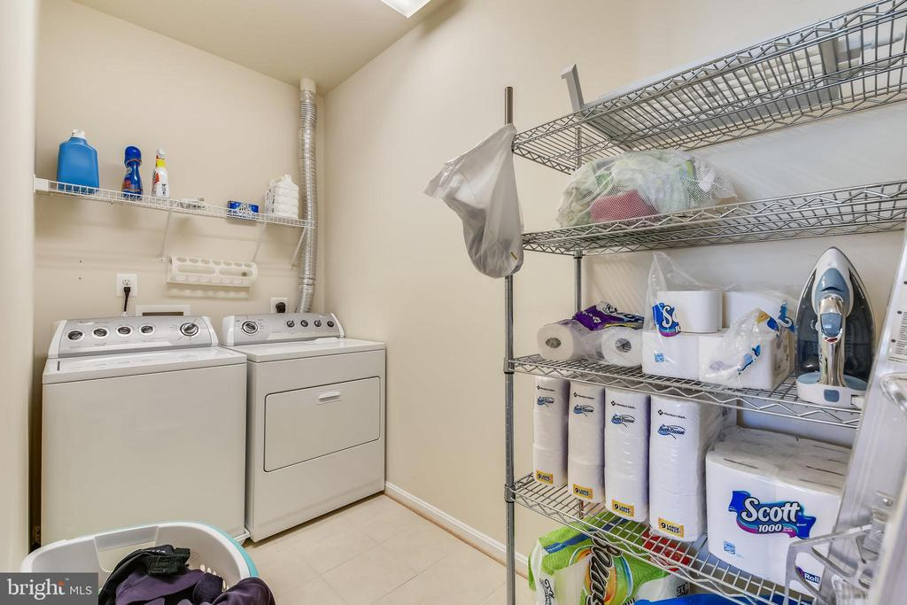 Upper Level Laundry Facilities With Attic Access - 47640 PAULSEN SQ, STERLING