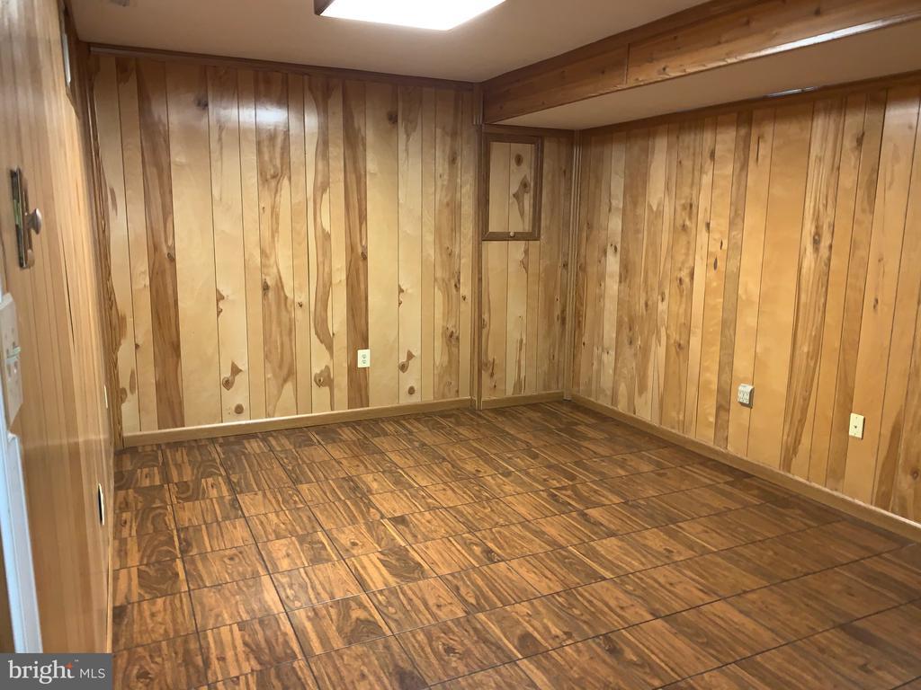 Rec room in lower level - 20405 PERIDOT LN, GERMANTOWN