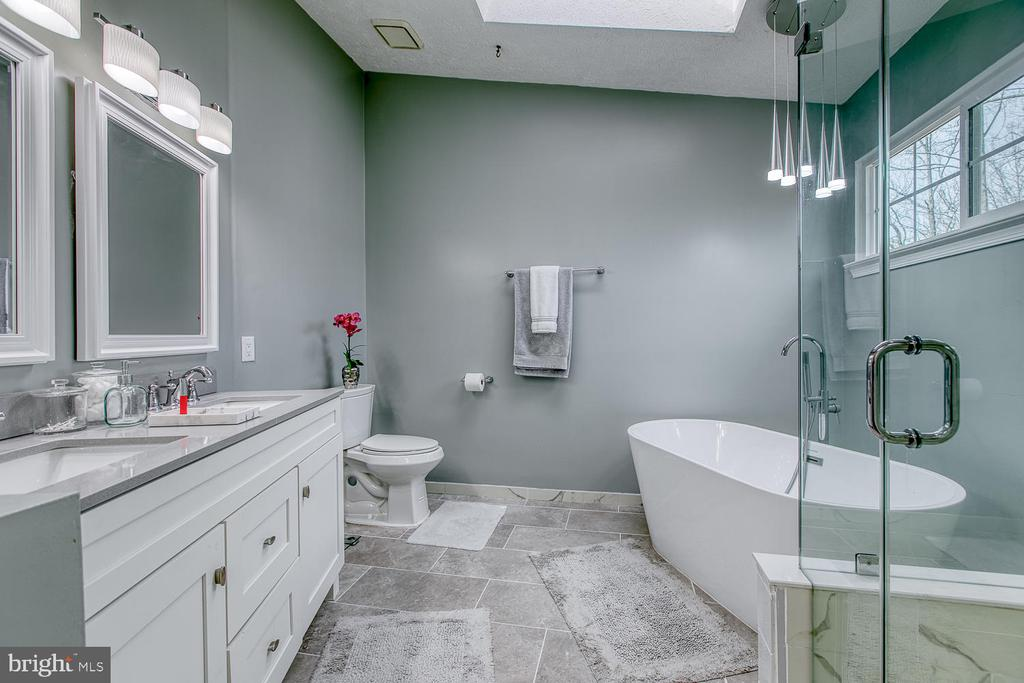 Remodeled master bath with separate shower and tub - 35 LONDON WAY, STAFFORD