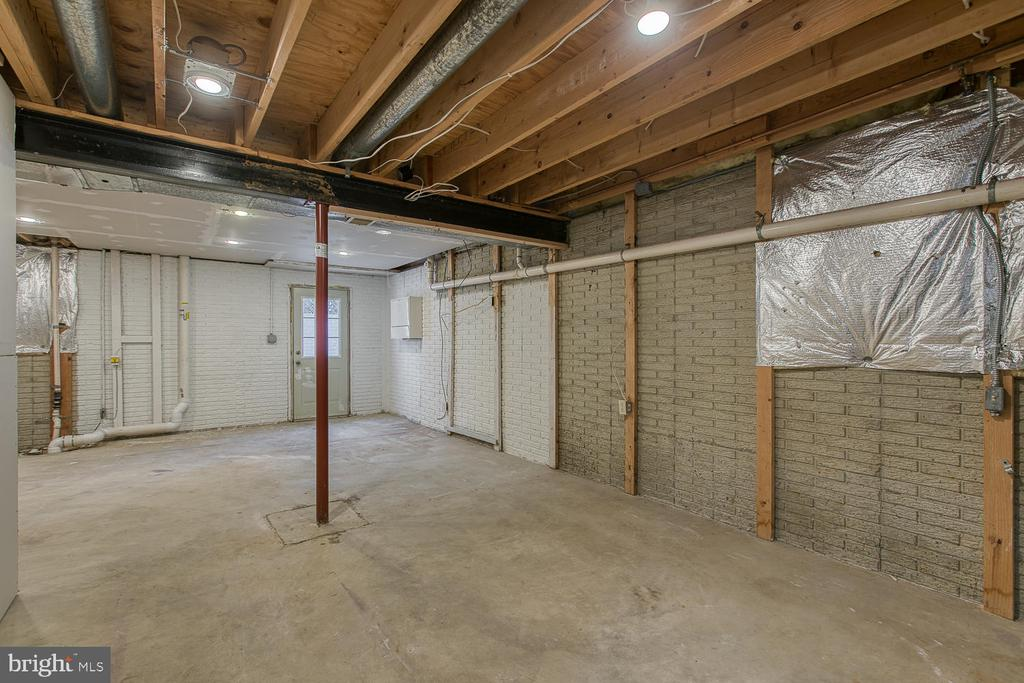 Unfinished basement area - loads of potential - 35 LONDON WAY, STAFFORD